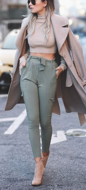 fall-fashion-olive-green-pants-beige